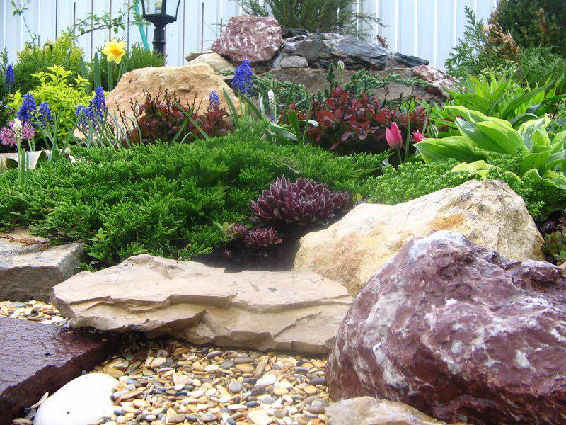 Как сделать камни для сада своими руками