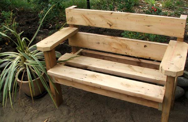 Как самому сделать садовую скамейку из дерева своими руками