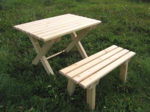 Деревянные столы – лучший вариант для беседок из дерева! фото