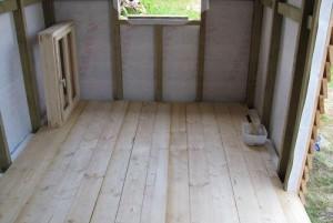 Фото дощатого пола для сарая, postroy-sam.com