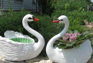 На фото - декоративные изделия для сада, moscowsad.ru
