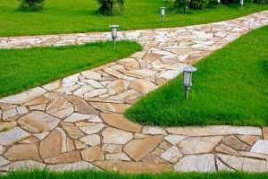 Какими могут быть дорожки в саду?