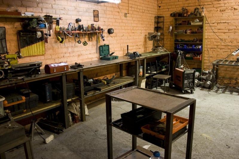 Как оборудовать слесарную мастерскую