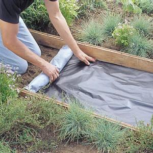 На фото - подготовка к укладке дорожки, aitash.blogspot.com