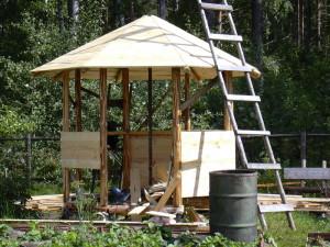 Сооружаем стены и крышу ротонды