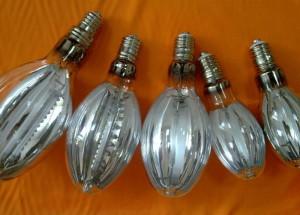 На фото - лампы накаливания для освещения теплиц, teplici-lider.ru