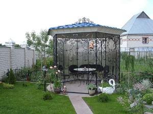 Фото кованой беседки в ландшафтном дизайне дачи, sfinga.ru