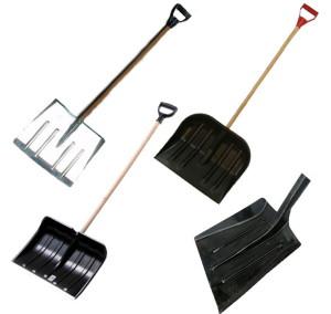 Лопата для уборки снега: ее устройство и отличительные особенности