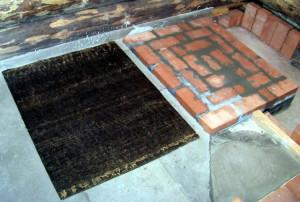 Фото укладки первого ряда банной печи на фундамент, 24banya.ru