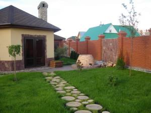 Какой материал или покрытие выбрать для садовых дорожек на даче? фото