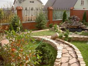 Как сделать садовую дорожку на даче удобной для использования?