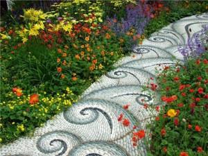 Изготовление садовых дорожек своими руками из разноцветной гальки фото