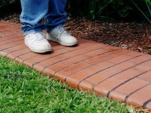 Фото про садовые дорожки, http://szr-masterbordur.narod.ru/