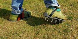Аэратор для газона – делаем своими руками
