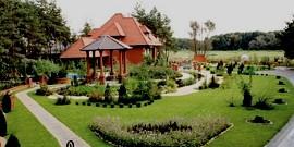 Ландшафтный дизайн двора частного дома – и прихоть, и необходимость