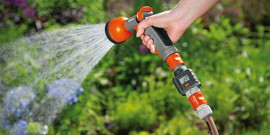 Насадка на шланг для полива – эффективное увлажнение для большого урожая!