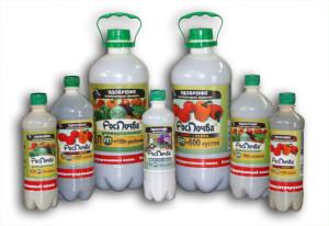 На фото - жидкие комплексные органические удобрения, rospochva.ru