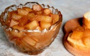 Яблоки консервированные, целые или дольками – разнообразие рецептов