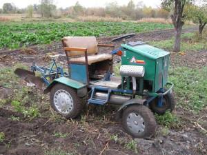 Как быстро получить самодельный трактор из мотоблока