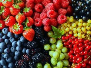 Консервирование компотов на зиму – рецепт Ассорти из ягод