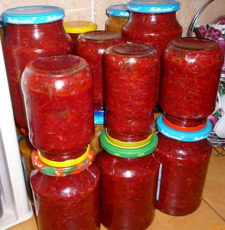 Салат из свёклы на зиму с помидорами и