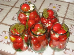 Рецепт консервации помидоров на зиму половинками