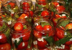 Консервация помидор на зиму – сладкие, острые, пряные! фото