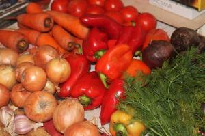 Как готовить салат на зиму из маринованных овощей