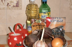 Фото ингредиентов для приготовления свеклы по-корейски, vkusnocity.ru
