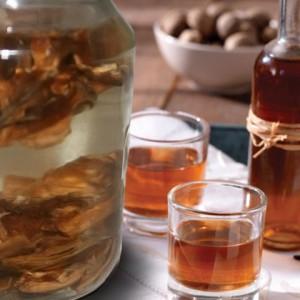 Перегородки грецкого ореха – настойка, польза которой не требует доказательств фото