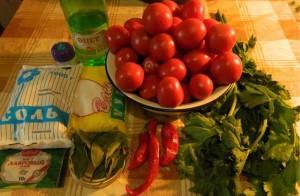 На фото - ингредиенты для засолки помидор на зиму, mag.relax.by