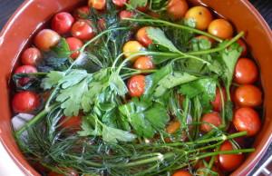 Засолка помидоров черри на зиму – легкий рецепт