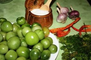 Засолка зеленых помидор – начинаем приготовления