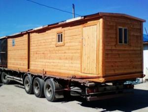На фото - баня на колесах, lescompany.ru