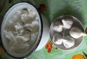 Фото хранения чеснока в муке на зиму, liveinternet.ru