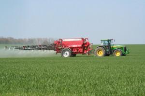 Фото листовой подкормки озимой пшеницы, miragro.com