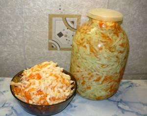 Как быстро приготовить маринованную капусту с хреном? фото
