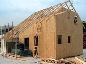 Маленький дачный домик – какой проект дешевле?