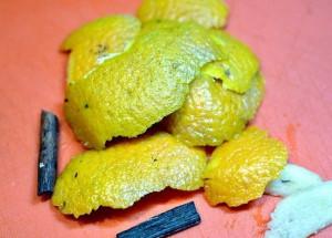 Фото цедры апельсина с корицей и ванилью для сливового варенья, povarenok.ru