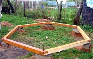 Фото места для строительства шестигранной беседки, besedka5.ru