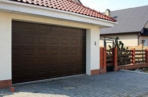 Фото автоматических ворот гаража на даче, roleta.md