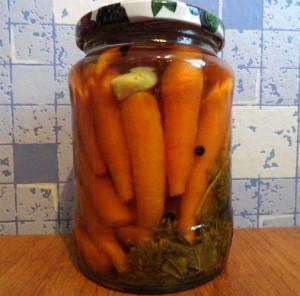 Простой рецепт на зиму – закатки из подсоленной моркови