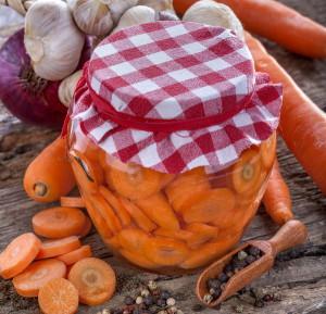 Простой рецепт на зиму – закатки из подсоленной моркови фото
