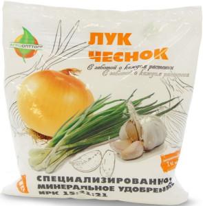 На фото - удобрение для чеснока, agroopttorg.com