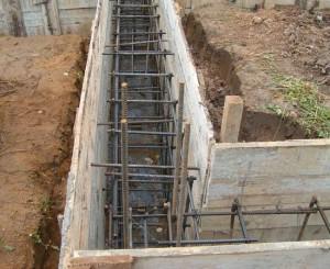 Основные этапы – фундамент, стены, крыша фото