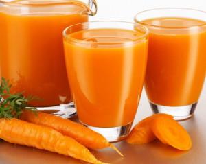 На фото - сок морковки, hnb.com.ua