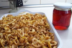 На фото - сушеные плоды айвы, gotovim-doma.ru