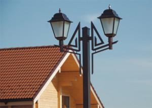 Фото установки светильников для дачи на железный столб, krasiviy-dom.ru