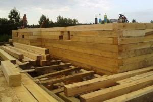 Фото стыковки брусьев деревянного гаража, ecolessystem.blogspot.com