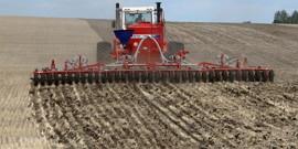 Весенняя вспашка почвы